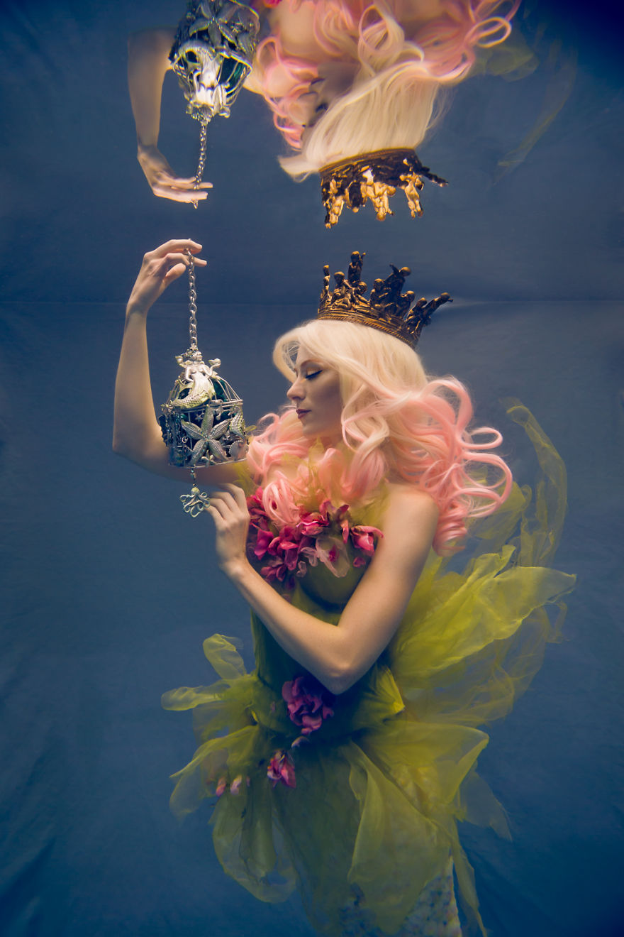 I-Am-An-Underwater-Fine-Art-Portrait-Photographer-But-Not-Because-I-Want-Underwater-Photos-583b5ca4091b4__880