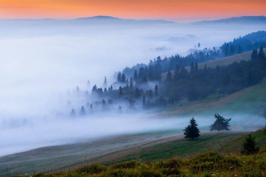Young-photographer-from-Slovakia-captured-small-but-beautiful-mountains-near-his-home-5837e803915b0__880