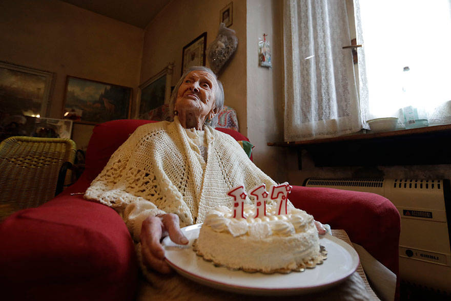 woman-born-1899-celebrate-117th-birthday-emma-morano-2-1