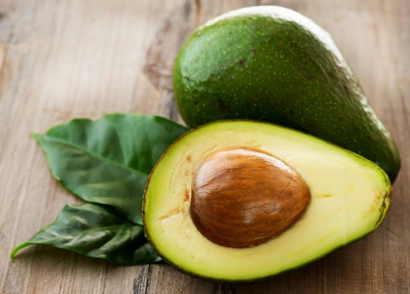 Как есть авокадо в сыром виде?