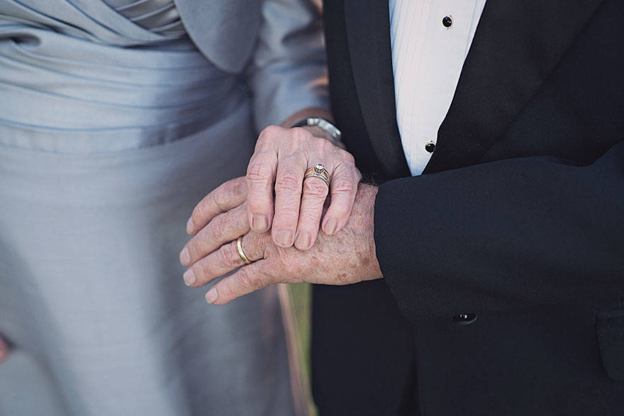 couple-70th-wedding-anniversary-photoshoot-8
