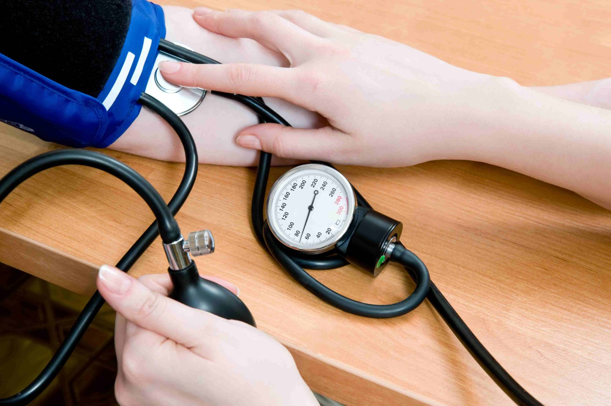 Гипертония - как снизить артериальное давление? Симптомы и ...