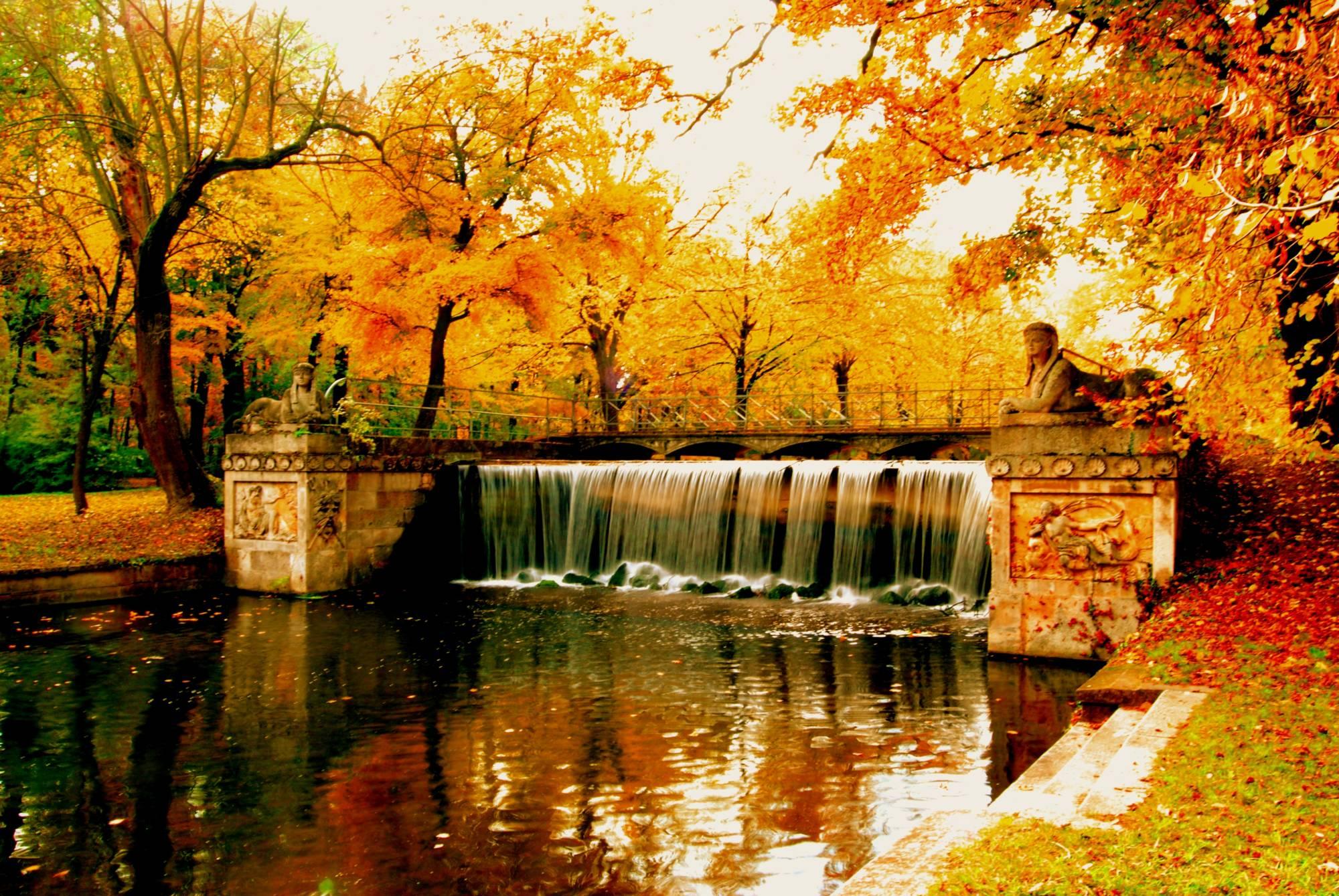 картинки красивые на тему осень в городе потому что синее