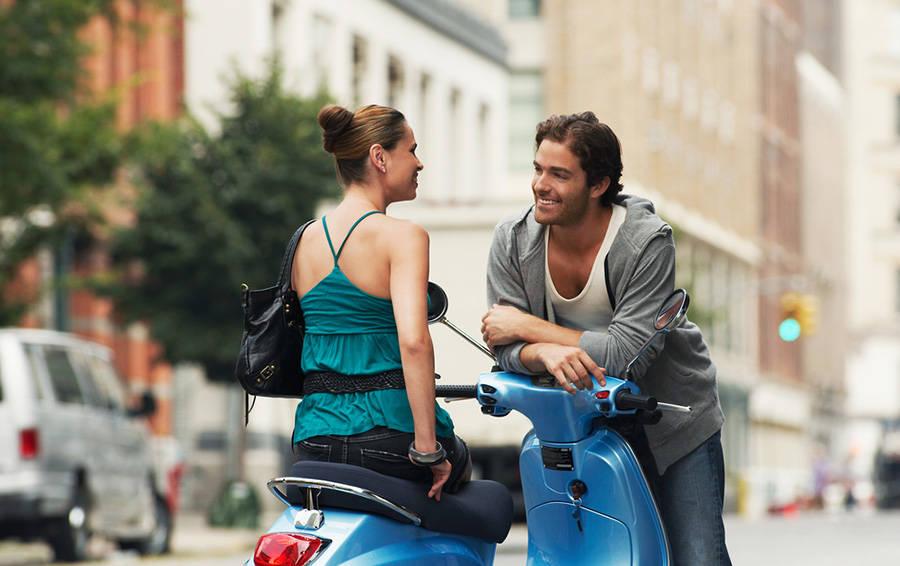 Картинки разговаривающих людей на улице вечной