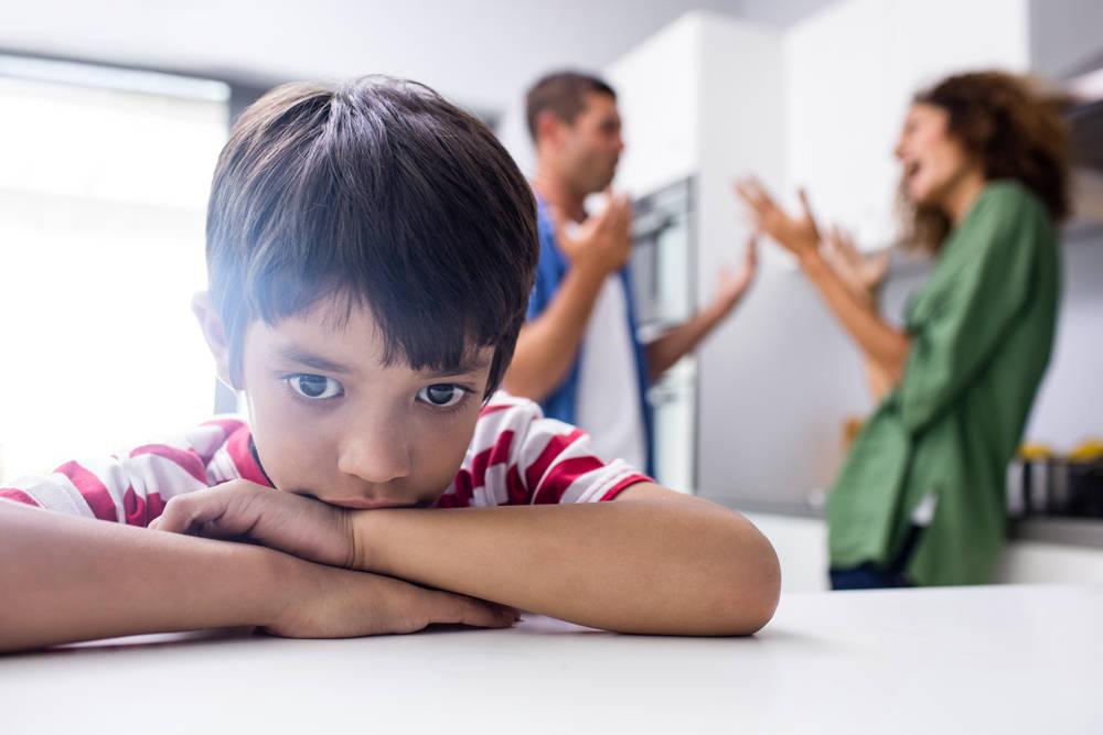почему нельзя ругаться при ребенке