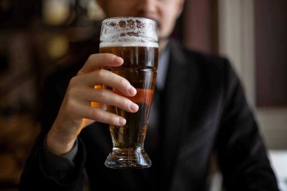 Картинка руки с пивом